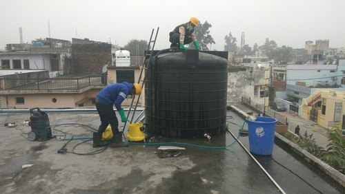 water-storage-tank-cleaning-services-500x500